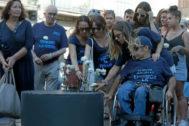 Familiares de las víctimas en el homenaje en Las Ramblas