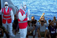 """Crispación en Lampedusa: """"La gente está harta del tema migratorio"""""""