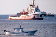 El Open Arms navega en aguas cercanas a Lampedusa
