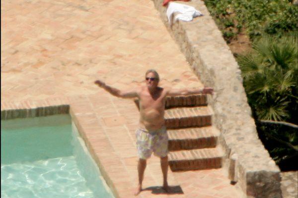 El actor Michael Douglas en su casa de Mallorca en 2007