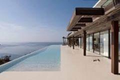 La lujosa escapada a Ibiza del príncipe Harry y Meghan se convierte en asunto de Estado