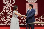 La presidenta Díaz Ayuso con David Pérez, consejero de Vivienda y Administración Local.