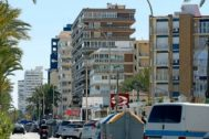Avenida Costa Blanca, en la playa de San Juan de AliCante, una zona eminentemente turística.