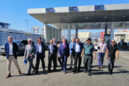Delegado del gobierno en Andalucía, Lucrecio Fernández, junto a responsables de la Guardia Civil en su visita al dispositivo con motivo de la fase de retorno.
