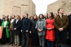 El presidente de VOX, Santiago Abascal (2i), el líder del PP, Pablo Casado (4i), y el líder de Ciudadanos, Albert Rivera (d) durante una manifestación en la plaza madrileña de Colón.