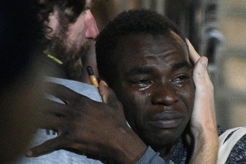 El Open Arms desembarca en la isla de Lampedusa tras poner fin la Fiscalía italiana a la crisis