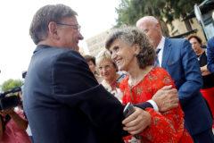 Ximo Puig saluda a la ministra de Sanidad, María Luisa Carcedo