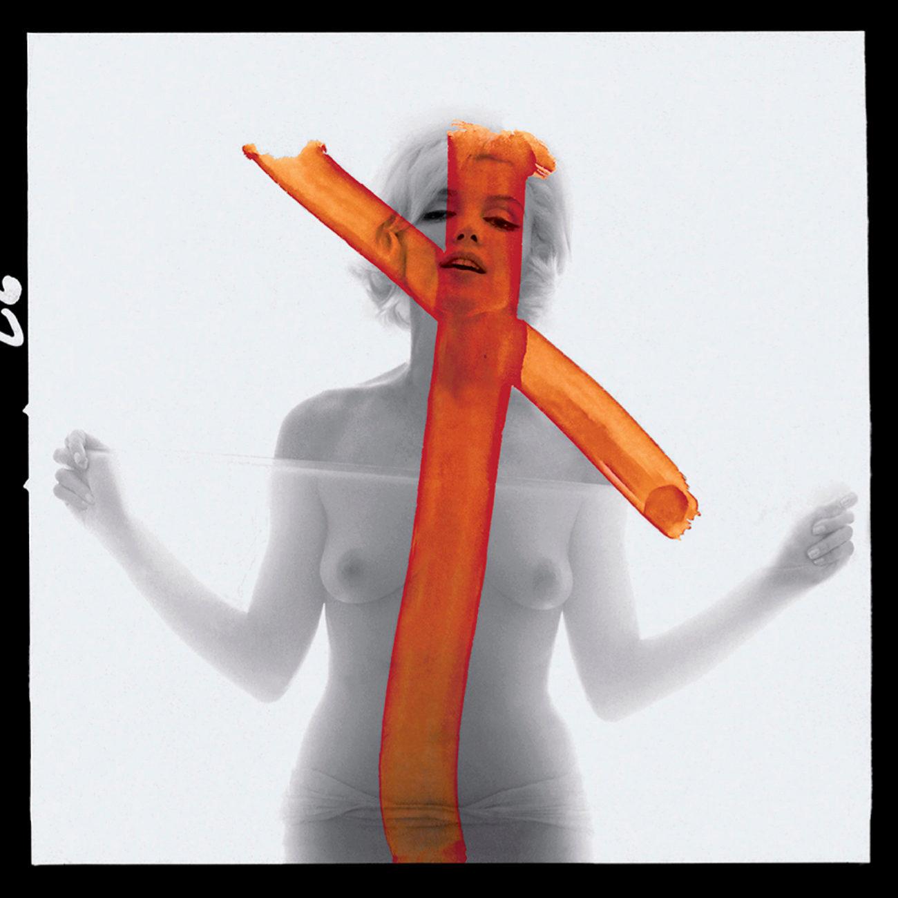 Los retratos rayados con una cruz naranja de Marilyn...