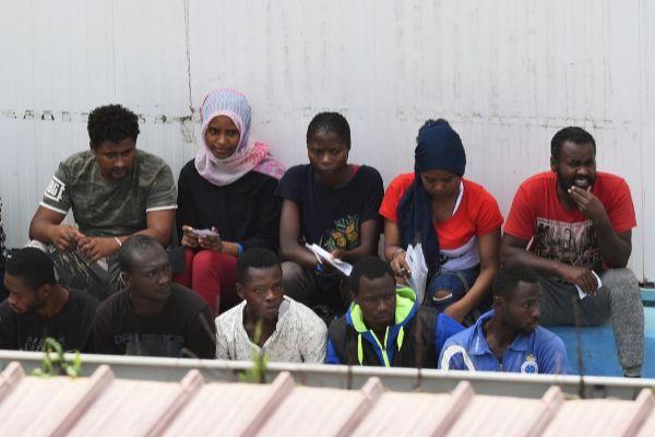 Algunos de los inmigrantes rescatados por el 'Open Arms'.