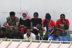 El Gobierno avanza que España acogerá a 15 migrantes del Open Arms