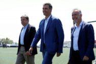 Pedro Sánchez, a su llegada este jueves a Las Palmas.