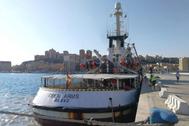 El Open Arms, amarrado en el puerto de Empedocle, en Agrigento (Sicilia).