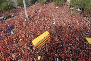 Asistentes a la Diada de 2018, en la avenida Diagonal de Barcelona