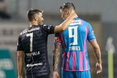 Iniesta, protagonista en la amarga despedida de Fernando Torres