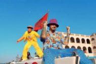 Bad Bunny y J Balvin en el vídeo de Yo Le Llego, uno de los temas de Oasis