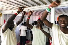 Los 356 migrantes podrán desembarcar y serán enviados a 6 países