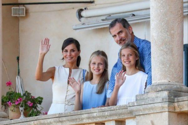 Los reyes junto a sus hijas durante su estancia en Palma este verano