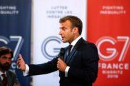 El presidente francés, Emmanuel Macron, da un discurso sobre el medio ambiente y la igualdad social a los líderes empresariales antes del G7, en París.