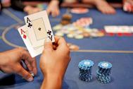 Un jugador en un partida de póker.