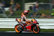 Northampton (United Kingdom).- Spanish MotoGP rider Marc <HIT>Marquez</HIT> of the Repsol Honda Team in action, during the MotoGP practice session of the 2019 Motorcycling Grand Prix of Britain at the Silverstone race track, Northampton, Britain, 24 August 2019. (Motociclismo, Ciclismo, Reino Unido) EPA/