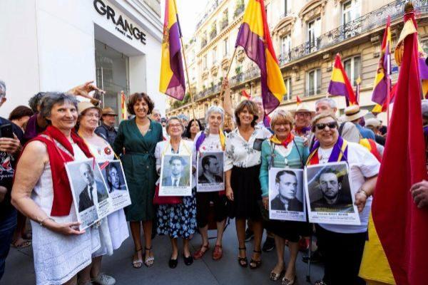 La ministra de Justicia, Dolores Delgado, junto a la secretaria de Estado de la España Global, Irene Lozano, en el homenaje a los españoles de 'La Nueve'.