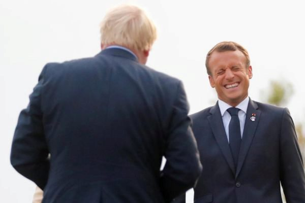 Emmanuel Macron recibe a Boris Johnson en Biarritz.