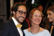 Ségolène Royal, con su hijo Thomas en Cannes.