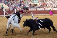 Guillermo Hermoso de Mendoza corta un rabo en Cuenca