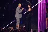 Rosalía y J. Balvin reciben dos VMA por 'Con Altura'.