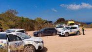 Los agentes policiales, el pasado domingo, en la fiesta clandestina de Playas de Comte.