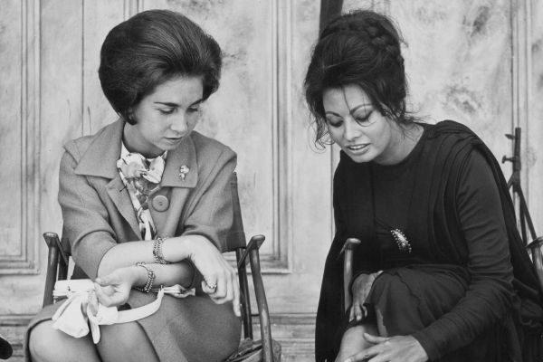 La Princesa Sofía y Sofía Loren en el rodaje de la película 'La...
