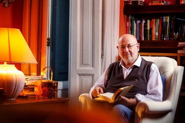 Juan Eslava Galán defiende en Baeza que el territorio literario de todo escritor es también la tierra donde nació