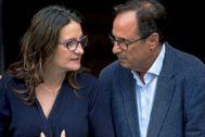 La vicepresidenta del Consell, Mónica Oltra, junto al conseller de Hacienda, Vicent Soler.