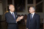 Urkullu durante su reunión con Stefano Ronca, secretario general de Relaciones Exteriores de la Soberana Orden de Malta.
