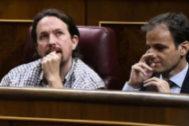 Pablo Iglesias y Jaume Asens, durante la investidura fallida.