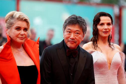 Catherine Deneuve, Hirokazu Kore-eda y Juliette Binoche.