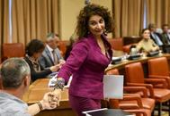 La ministra de Hacienda en funciones, María Jesús Montero, en la Diputación Permanente del Congreso.