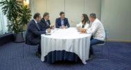 Pedro Sánchez, reunido hace dos semanas con los socialistas Ximo Puig y José Luis Ábalos y los dirigentes de Compromís Mónica Oltra y Joan Baldoví.