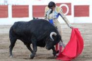 Curro Díaz y Ventura abren la feria saliendo a hombros