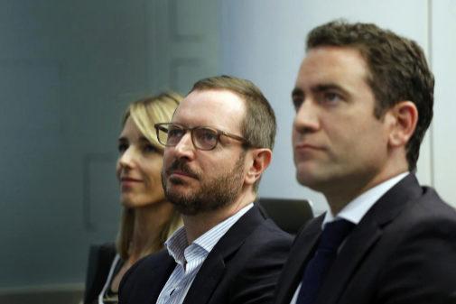 Javier Maroto, en el centro, junto a sus compañeros del PP el pasado...