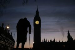 La estatua de Winston Churchill frente al Parlamento de Westminster.