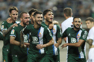 Zaporizhia (Ukraine).- Facundo Ferreyra (3-L) of <HIT>Espanyol</HIT> celebrates with team mates after scoring the 0-1 goal during the UEFA Europa League play-off, second leg soccer match between FC Zorya Luhansk and RCD <HIT>Espanyol</HIT>, in Zaporizhia, Ukraine, 29 August 2019. (Ucrania) EPA/