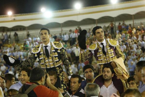 Morante remonta el escándalo; Manzanares y Aguado triunfan
