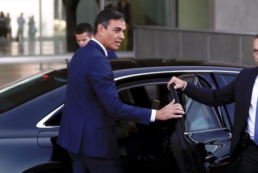 Pedro Sánchez, esta mañana tras visitar a Juan Carlos I en el hospital.
