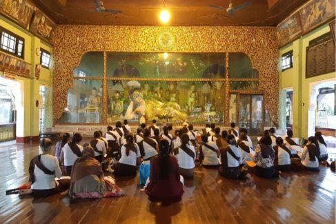 El país donde el budismo es un espectáculo