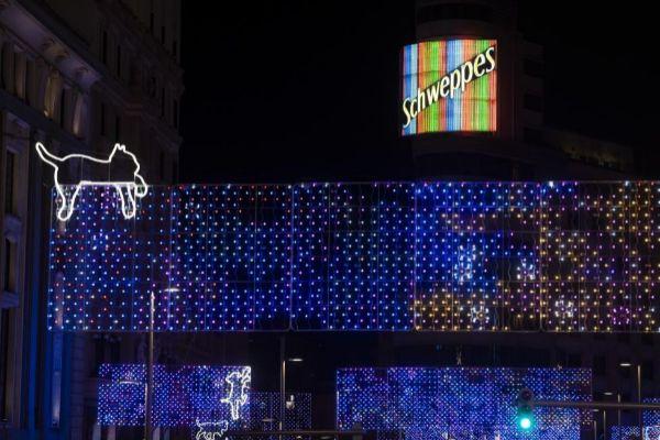 Luces de Navidad en la Gran Vía de Madrid.
