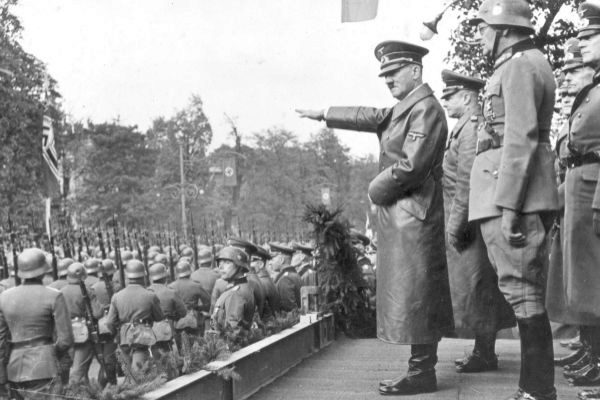 Warsaw (<HIT>Poland</HIT>), 05/10/1939.- A handout photo made...
