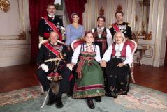 Celebra la confirmación de la princesa  junto a la familia real de Noruega