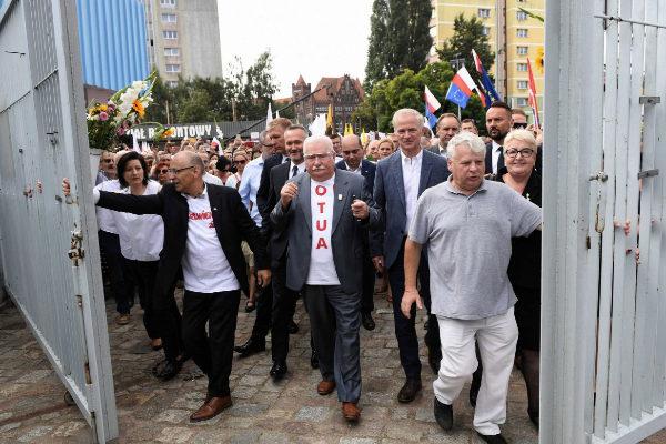 <HIT>Gdansk</HIT> (Poland).- Former Polish President and Nobel Peace...
