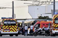 Varios vehículos de bomberos en Villeurbanne.